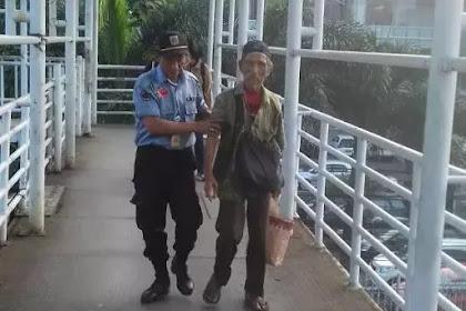 Waduh! Diamankan Petugas, Pengemis Lansia Ini Kedapatan Bawa Uang Jutaan Rupiah