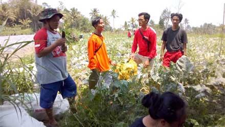 Para Relawan di Magelang