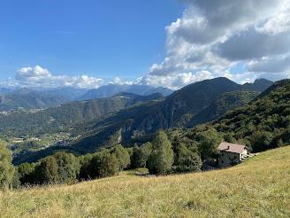 View north above Monte di Nese.