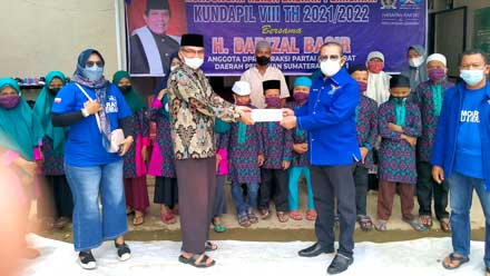 Anggota DPR RI Darizal Basir Bantu Panti Asuhan Muhammadiyah Pessel