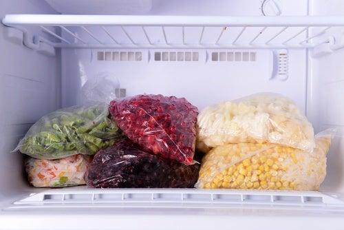 9-makanan-yang-sebaiknya-tidak-disimpan-di-freezer