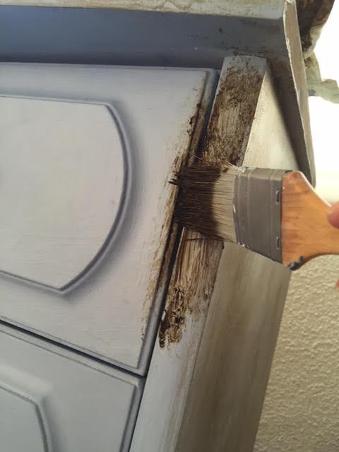 DIY-Envejeciendo-un-mueble-Annie-Sloan-Chalk-Paint-Louis-Blue-Chez-Agnes