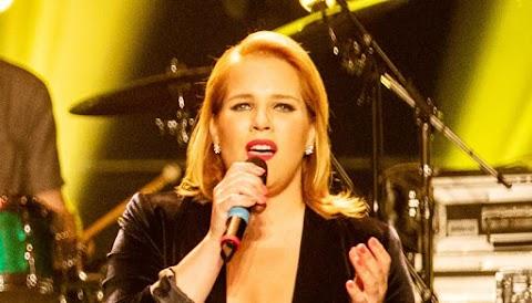 Ezt tette Tóth Verával a fogyás: Megmutatta lábait az énekesnő