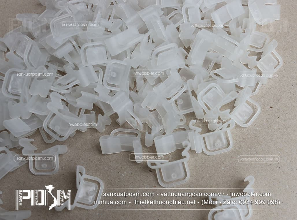 móc-nhựa-thành-siêu-thị