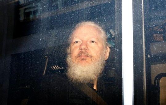 ONU: Assange se expone a torturas si es extraditado a EE.UU.