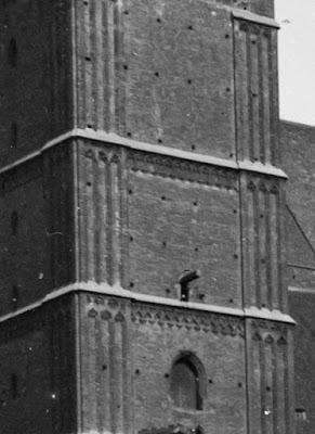 Glasnegativ der Münchener Frauenkirche um 1910 - Detail linker Turm