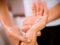 5 Rekomendasi Produk Massage Oil Terbaik dari Toko SehatQ
