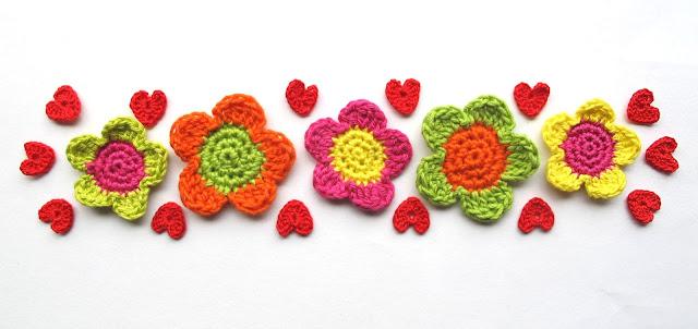 gehaakt: bloemen en hartjes