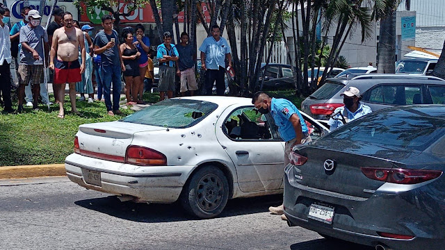 Video: Enfrentamiento en la costera Miguel Alemán, en Acapulco, Guerrero en inmediaciones del hotel Presidente 2 muertos y 1 herido