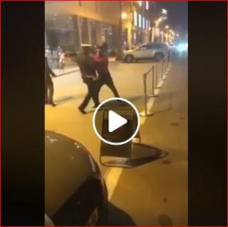 بالفيديو مواطن سعودي مخمور يهاجم شرطيا مغربي