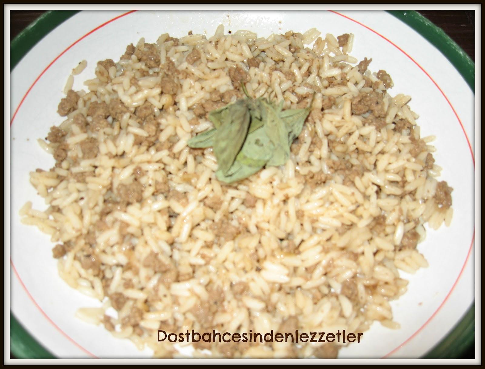 Kıymalı Pirinç Köfte Nasıl Yapılır