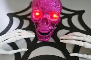 Inspiracje na Halloween czaszka i szkielet z pepco