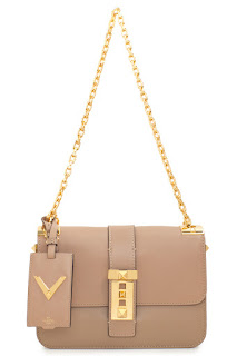 http://www.laprendo.com/SG/products/35573/VALENTINO/Valentino-Beige-Double-Chain-Shoulder-Bag?utm_source=Blog&utm_medium=Website&utm_content=35573&utm_campaign=04+Jul+2016