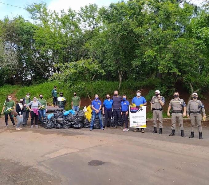 Rotary Club de Cachoeirinha realização ação de limpeza no Rio Gravataí