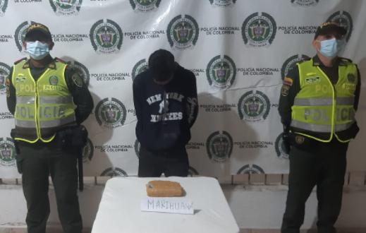 https://www.notasrosas.com/Apresado con 511 gramos de marihuana y 12 gramos de cocaína en 'Los Fundadores', de Valledupar