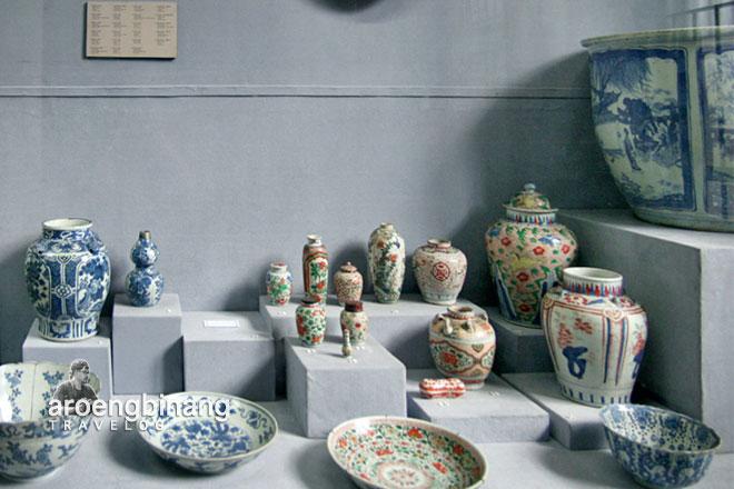 museum nasional indonesia piring porselen