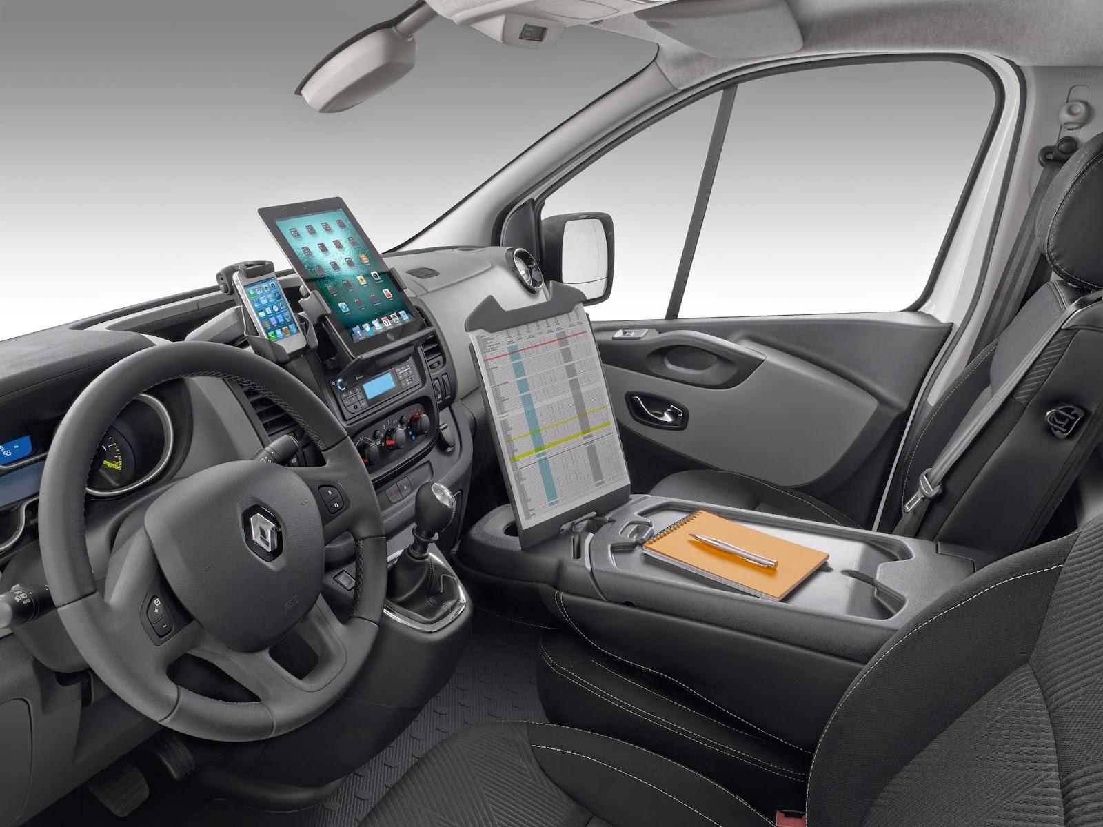 voiture communicante nouveau renault trafic le bureau mobile. Black Bedroom Furniture Sets. Home Design Ideas