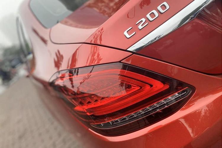 Mercedes-Benz C200 mới 'chạy lướt' hơn 1,3 tỷ ở Hà Nội