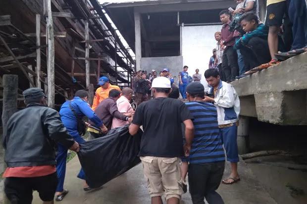 Kapal Nelayan Tenggelam di Perairan Rohil, 3 Tewas 1 Hilang