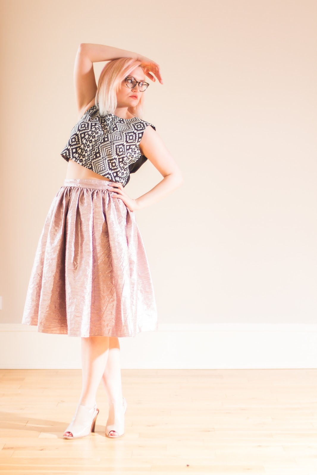 I Dream of Shapes, Edinburgh Bloggers, #edinburghbloggers, James Keyte, Keyte photography, Flamingosaurus Rex Studio Edinburgh, tribal print top, monochrome crop top, pink full skirt, blogger photo shoot,