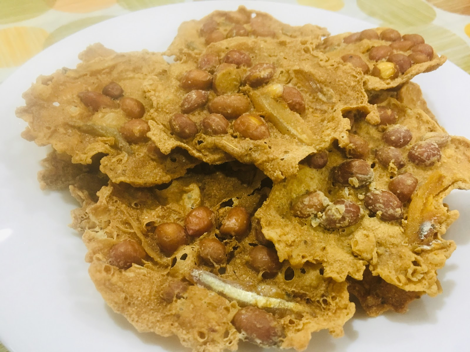 rempeyek kacang tanah asli  rangup berempah   sedap  resepi sukatan cawan Resepi Biskut Kacang Tanah Sukatan Cawan Enak dan Mudah
