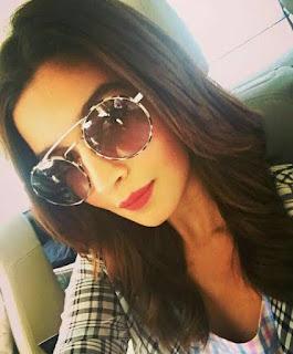 alia bhatt selfie images