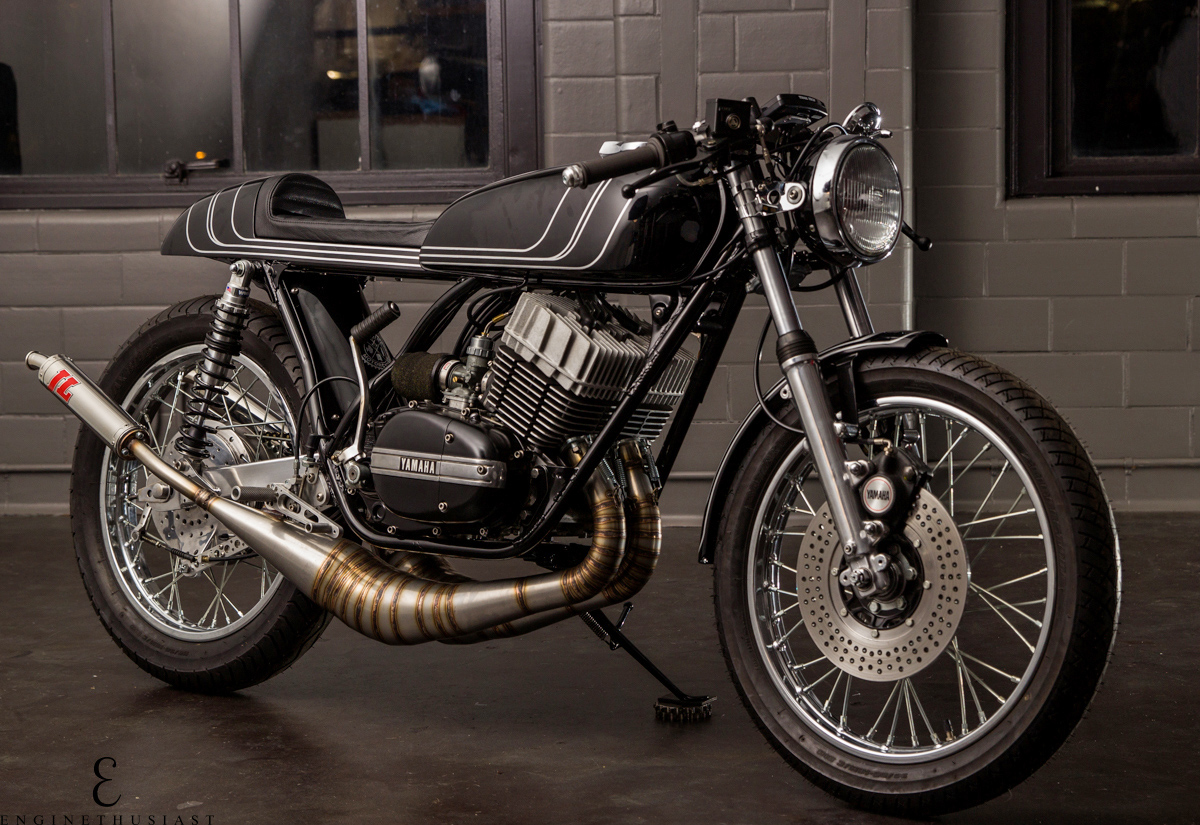 tasteful two banger the twinline yamaha rd350 return of the cafe racers. Black Bedroom Furniture Sets. Home Design Ideas