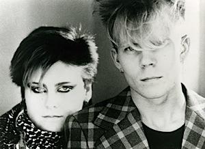 Fotografía en blanco y negro de Alison Moyet y Vince Clarke