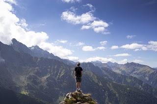 montanhas, olhar para o monte versículos diários de onde vem o meu socorro?