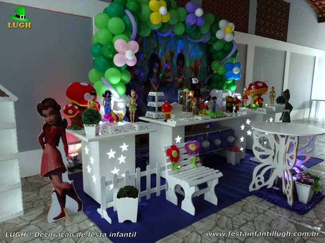 Decoração de mesa temática Tinker Bell (Sininho) para festa de aniversário feminino