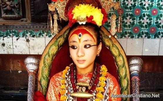 Niña diosa en Nepal