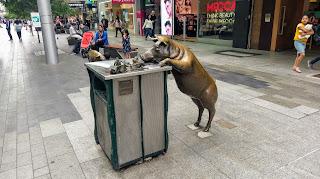 Dziwne pomniki w Adelajdzie w Australii