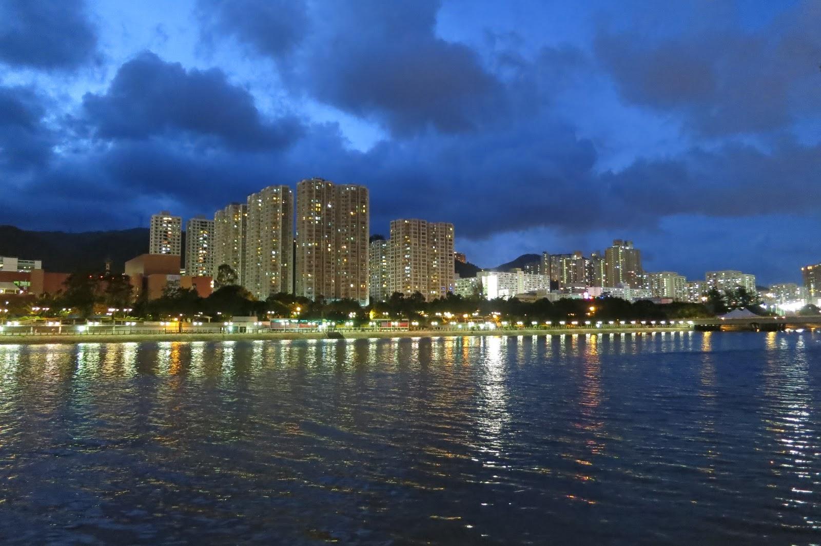 外國月亮: 城門河的日與夜