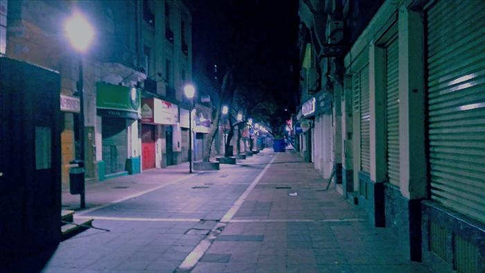 Noche en la peatonal de Cordoba