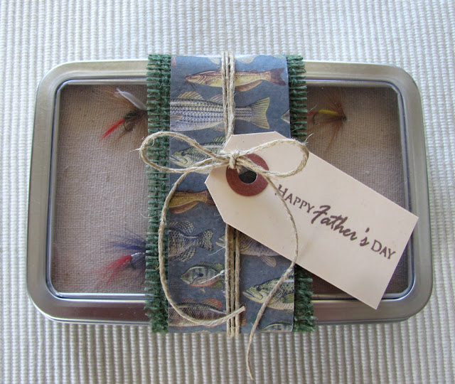 final+tin Father's Day Gift Idea: Fly Fishing Box {#FathersDay} 24