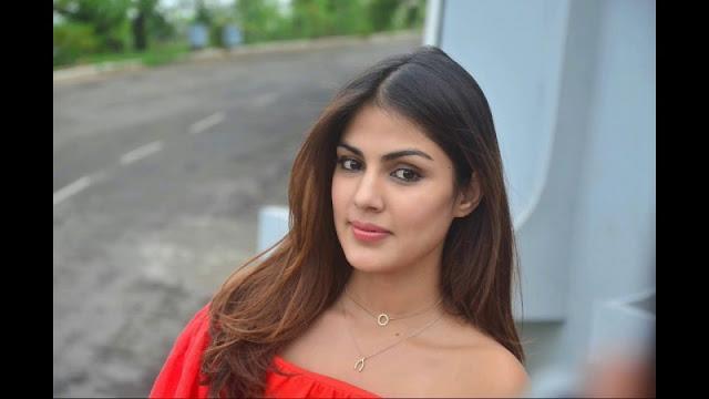 रिया चक्रवती ने सुप्रीम कोर्ट से की मीडिया ट्रायल पर रोक लगाने की मांग