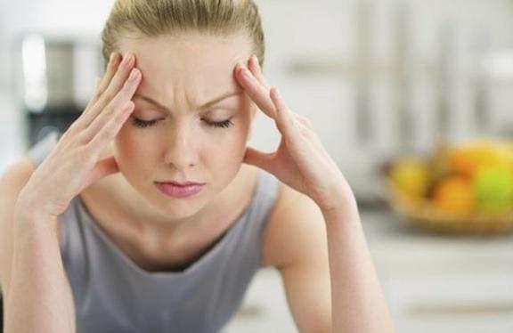 ¿Por qué la ansiedad puede causar ataques cerebrales y dolores de cabeza?