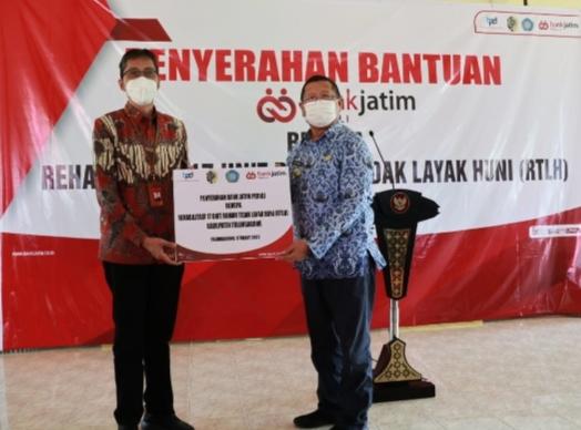 Bank Jatim Rehabilitasi 17 Unit Rumah Tidak Layak Huni