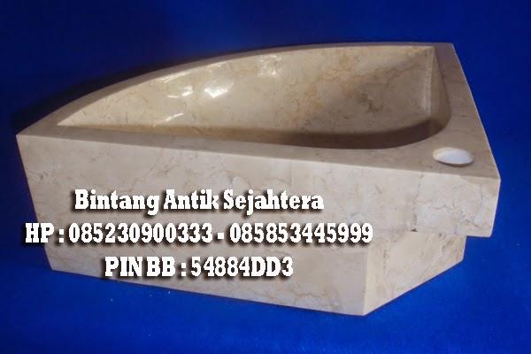 Wastafel Sudut dari Batu marmer
