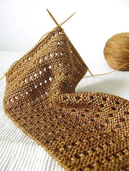 Lacy Baktus - Free Knitting Pattern