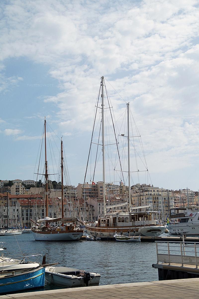 Alter Hafen Marseille Segelboote Sommer Reise Südfrankreich // Old Harbour Marseille, France