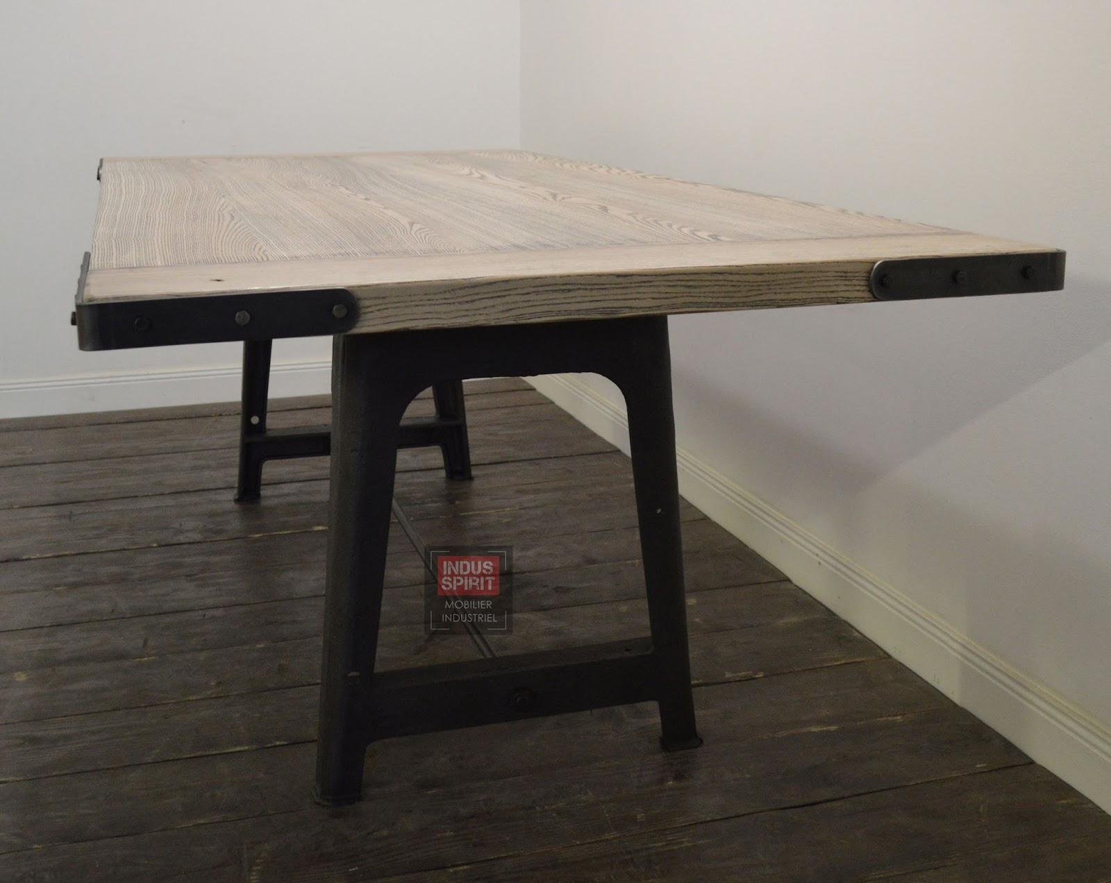 Table industrielle - Table style industrielle ...