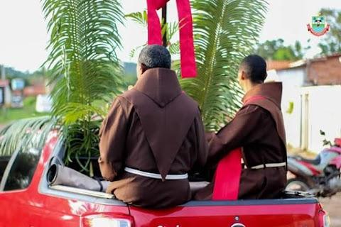 Veja como foi o Domingo de Ramos em Lago dos Rodrigues(MA)