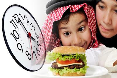 Kisah Imam Ahmad bin Hanbal dengan sepotong roti kering dan pengemis