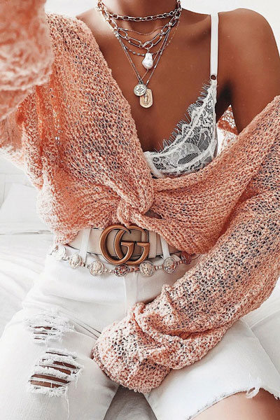Looking for casual winter outfits? Consider these 23 Fabulous Winter Outfits To Get You Through The Season with Style. Fashion for Women via higiggle.com | cute knit with jeans | #winter #fashion #knit #jeans