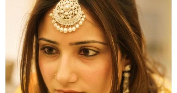 Velvet Bytes 11 Pretty Maang Tikka Hairstyles To Try This Wedding