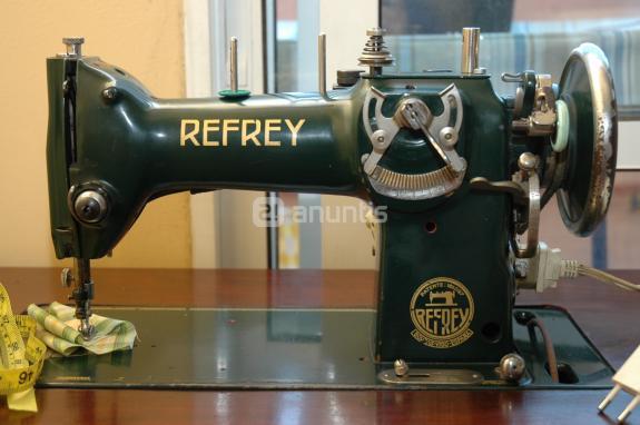 Museo de maquinas de coser y costura refrey m quinas de coser for Maquinas de coser zaragoza
