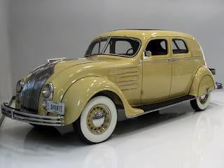 модель ретро автомобиля Крайслер