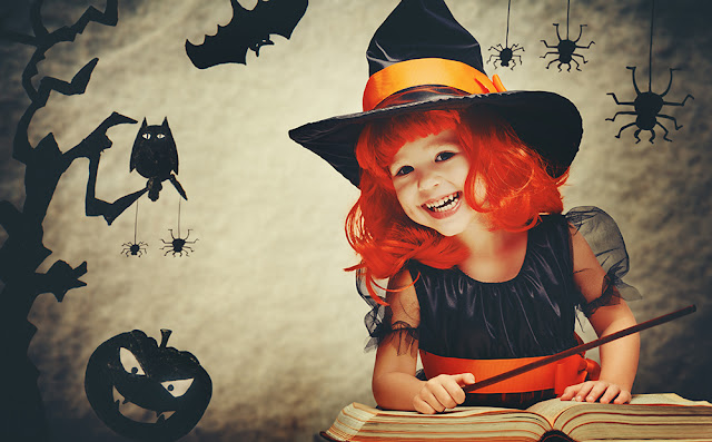 Cum petrecem de Halloween