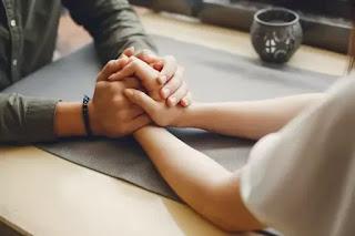 Hal Biasa Yang Bisa Melukai Hubungan Asmaramu
